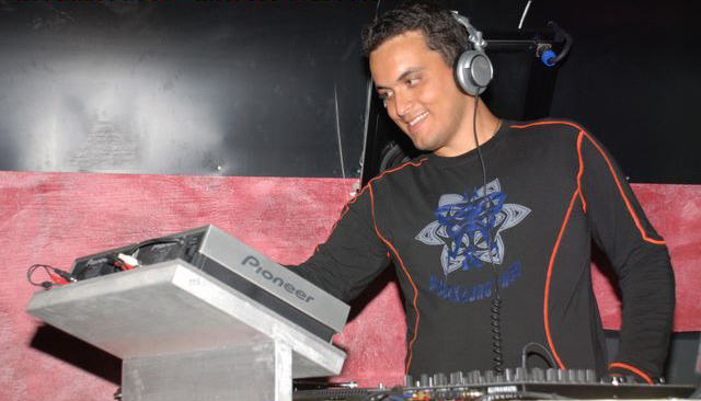dj teddy in action 2007